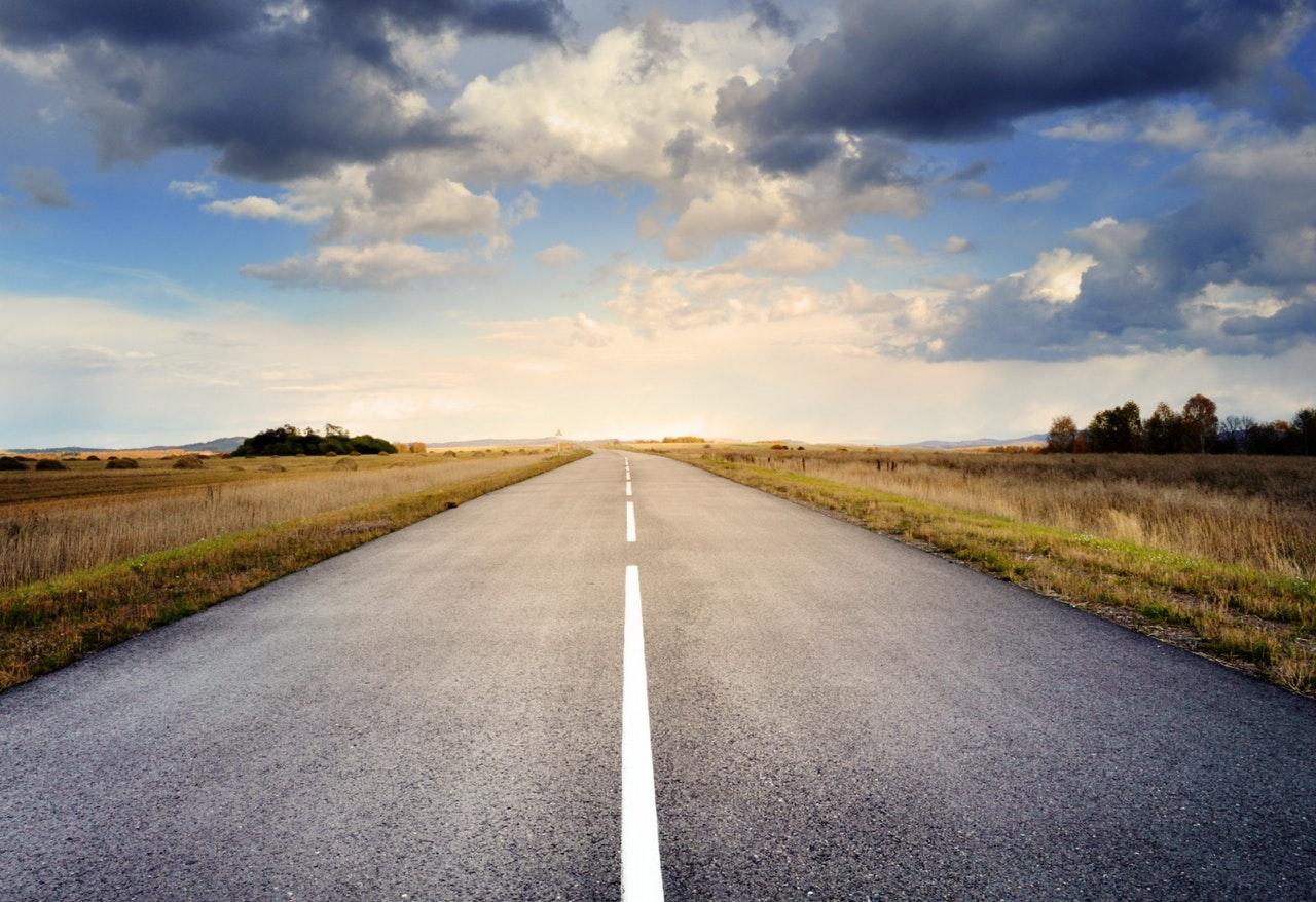 Indul a nagy vidéki útfelújítási program: évi 50 milliárdot szán rá a kormány