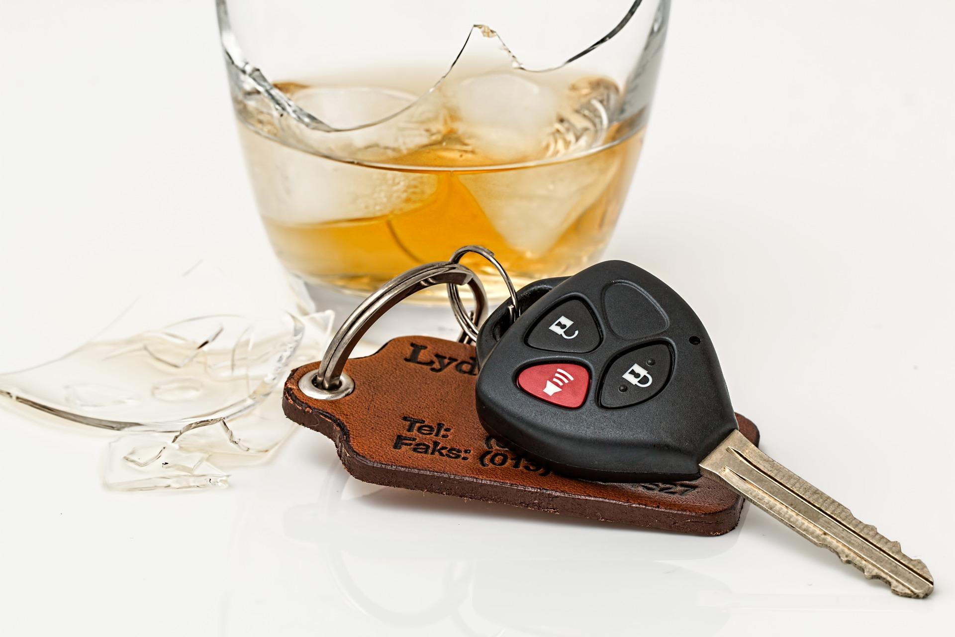 Így tántorítanák el az ittas vezetéstől a sofőröket