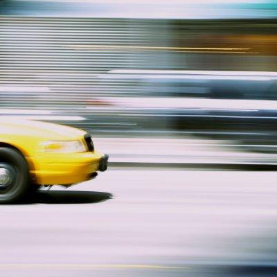 Levegőszennyezés? Jöjjenek az önjáró taxik!