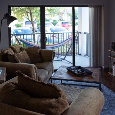 Melyiket választanád? - Ugyanannyiért egy garzon, vagy egy négyszobás új lakás?