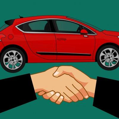 Több tízezer autósnak kell fontos döntést hoznia: ketyeg az óra, sok pénz múlik rajta