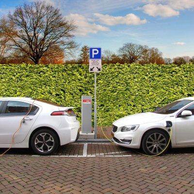 Elektromos autók és robogók vásárlására indul pályázat