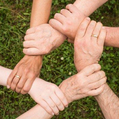 Négyből hárman támogatják egy vagy több családtagjukat