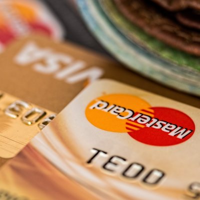 Új világ jön a bankkártyáknál: a fizetések tömege tűnhet el egy szempillantás alatt
