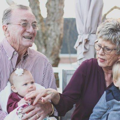 Nyugdíj és nagyszülői támogatás - így szól a szabály